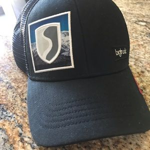 💥NWOT💥 Big Truck Squaw Valley trucker hat.